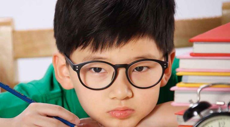 Cận thị là tật khúc xạ phổ biến, đặc biệt ở trẻ em từ 7-16 tuổi
