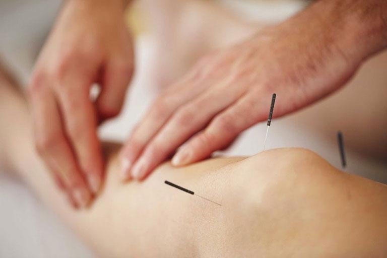 Vật lý trị liệu điều trị bệnh xương khớp là lựa chọn hàng đầu của nhiều bệnh nhân