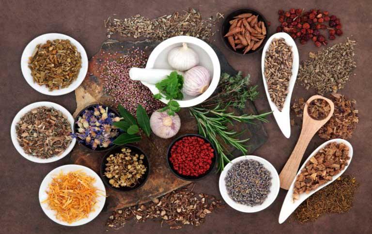 Thuốc Đông y là một trong những phương pháp chữa đau vai gáy hiệu quả