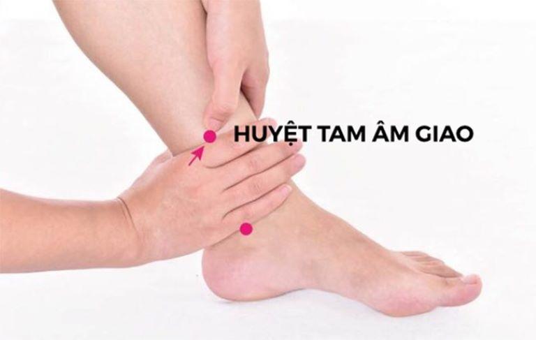 Huyệt Tam âm giao trên cổ chân
