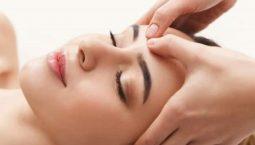 Xoa bóp bấm huyệt mặt là biện pháp tuyệt vời để chăm sóc sức khỏe và sắc đẹp