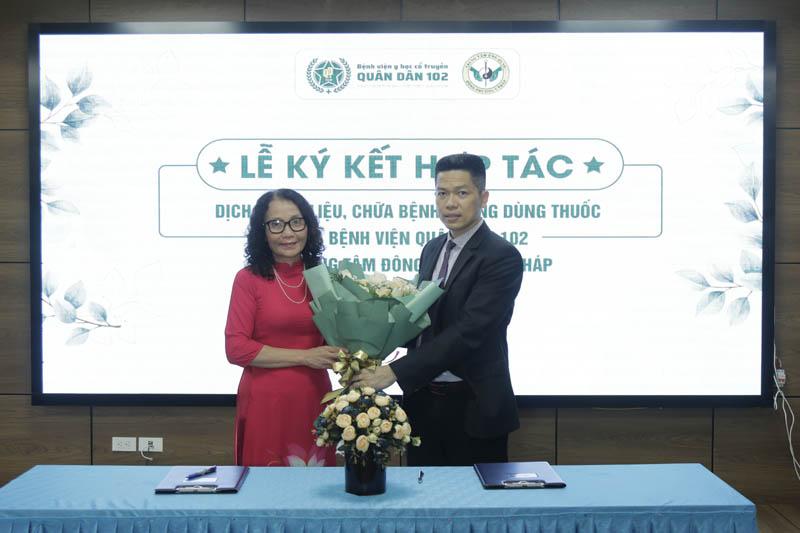 Sự hợp tác của Bệnh viện Quân dân 102 và Trung tâm Đông phương Y pháp sẽ góp phần nâng cao giá trị tinh hoa YHC