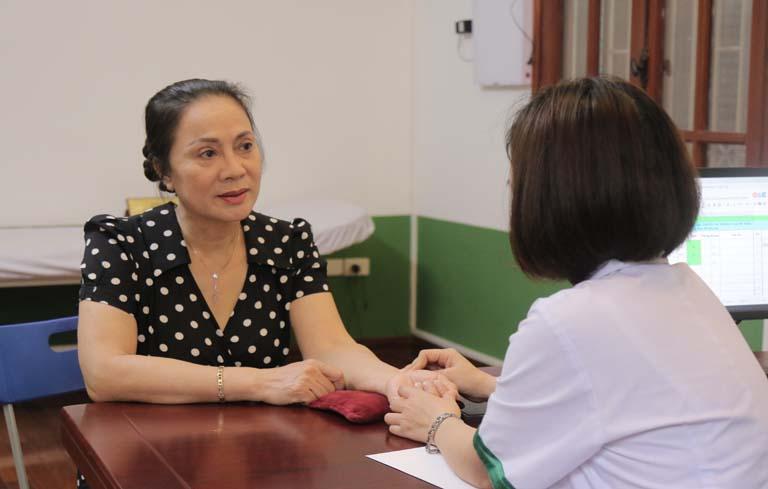 Bệnh chuyển biến tích cực khi NS biết đến phương pháp dùng thuốc và châm cứu, bấm huyệt tại Đông Phương Y pháp