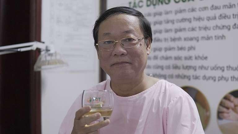NSUT Phú Thăng khi đang trị liệu tại Đông phương Y pháp