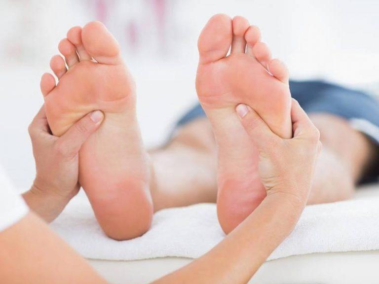 Phương pháp bấm huyệt bàn chân trị được nhiều bệnh lý