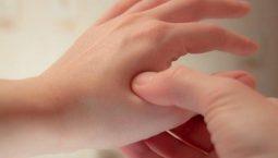 Có thể bấm huyệt giúp điều trị một số bệnh thường gặp ở tay