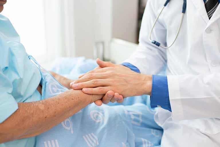 Người bệnh nên tiến hành day ấn huyệt Phế Du vào mỗi buổi sáng sớm