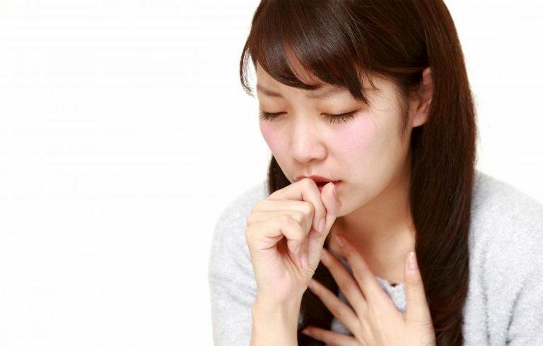 Bấm huyệt Trung Phủ giúp giảm nhanh các cơn ho kèm chứng đau tức ngực