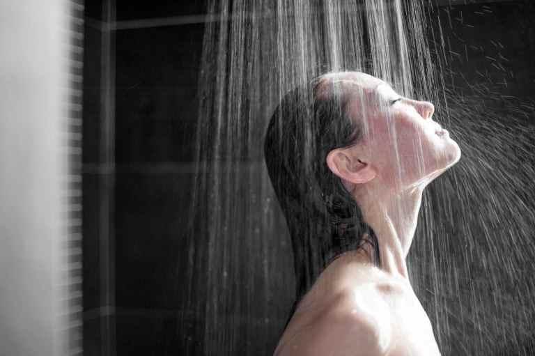 Châm cứu xong có tắm được không phụ thuộc vào thể trạng của người bệnh.