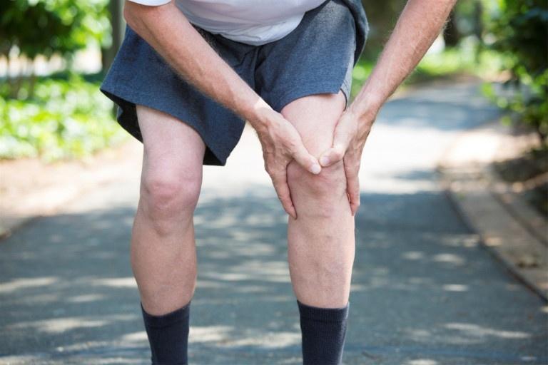 Biểu hiện đau nhức xương khớp chân