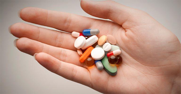 Sử dụng thuốc Tây điều trị đau nhức xương khớp cần thận trọng để phòng tránh những ảnh hưởng sức khỏe không mong muốn