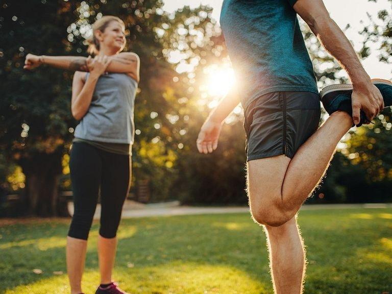 Tập luyện giúp giảm đau nhức xương khớp vào ban đêm