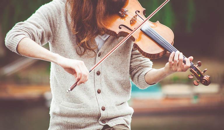Những bản nhạc phù hợp cũng là phương pháp chữa lành tổn thương rất tốt