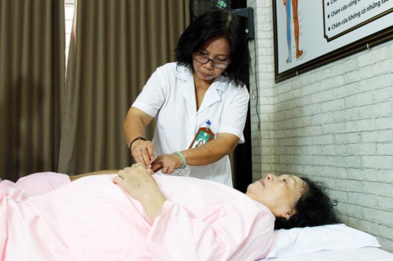 Bác sĩ Doãn Hồng Phương - Sẵn sàng đồng hành cùng bệnh nhân trong mọi liệu trình điều trị