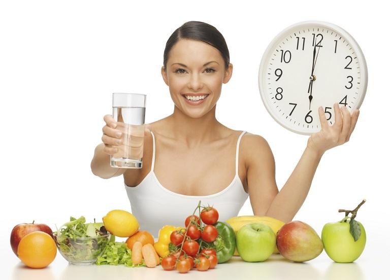 Nên có chế độ tập luyện và ăn uống hợp lý để phòng tránh đau mỏi vai gáy