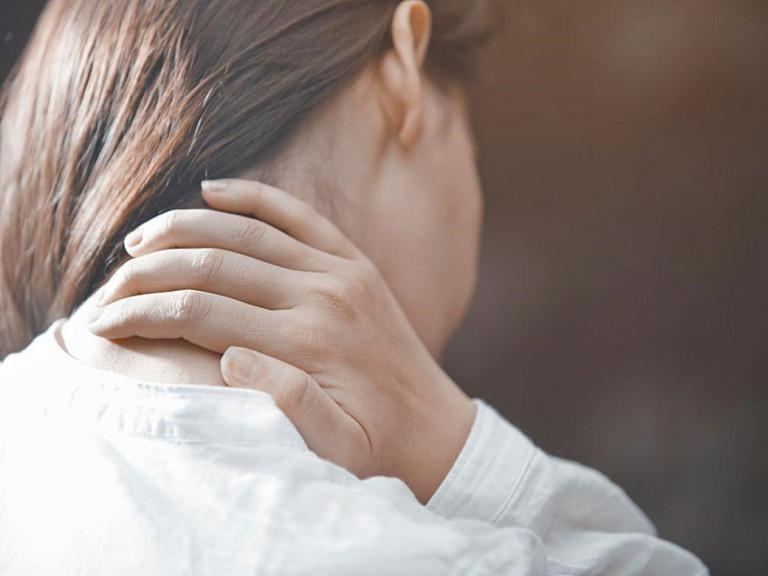 Những nguy hiểm đến từ tình trạng đau bên cổ phải
