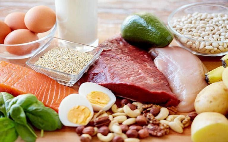 Đau dây thần kinh liên sườn nên ăn các thực phẩm giàu đạm và canxi