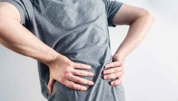 Đau lưng lan xuống chân là dấu hiệu cảnh báo đau dây thần kinh toạ