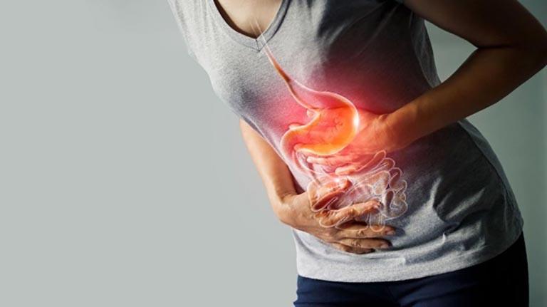 Hội chứng ruột kích thích khiến cơn đau lưng nghiệm trọng, có thể kéo dài xuống cả bắp chân