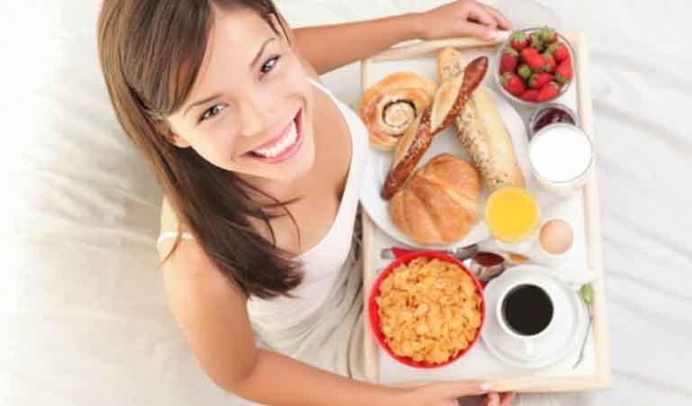 Thực phẩm nhiều gia vị không tốt cho người bị đau lưng