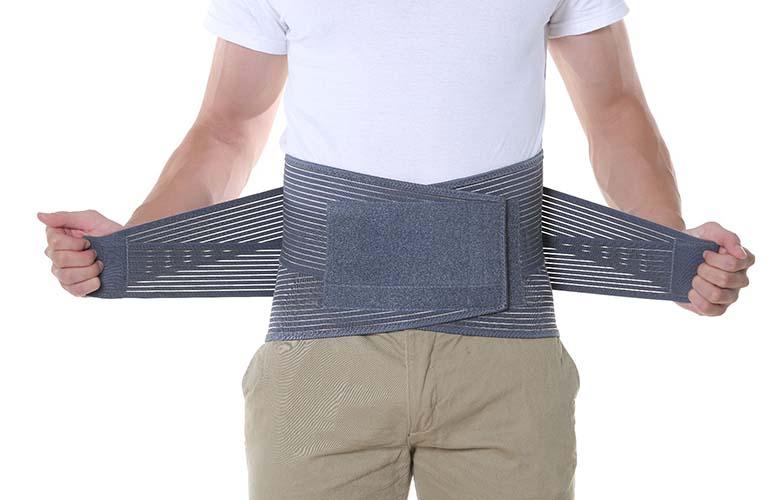 Cần lưu ý gì khi dùng đai đeo chống thoát vị đĩa đệm?
