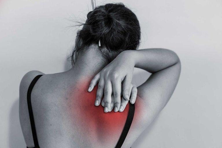 Cơn đau do thoát vị đĩa đệm đốt sống cổ c3 c4 có thể tăng theo thời gian