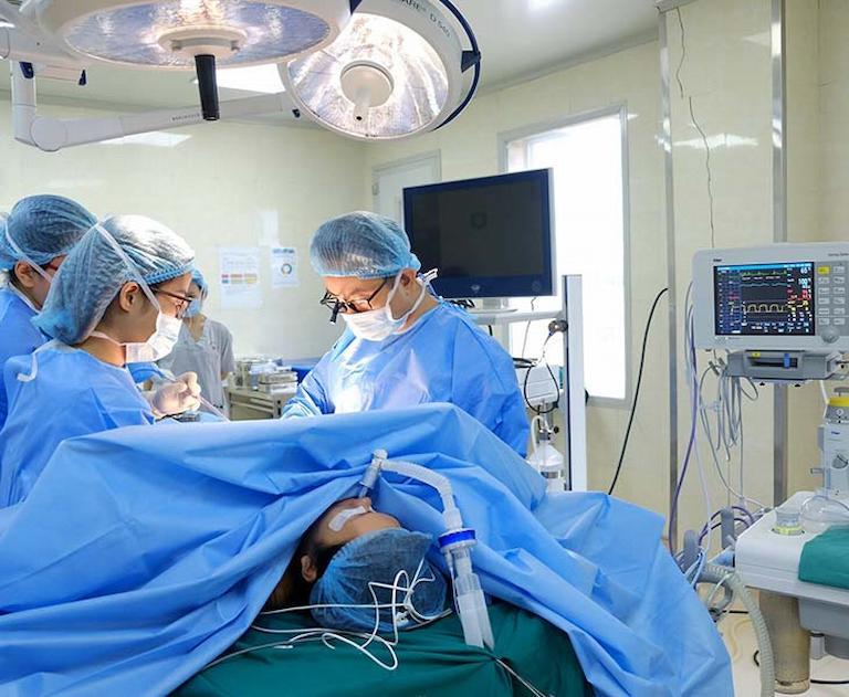 Trường hợp dùng thuốc trị đau dây thần kinh liên sườn không hiệu quả cần sớm can thiệp ngoại khoa