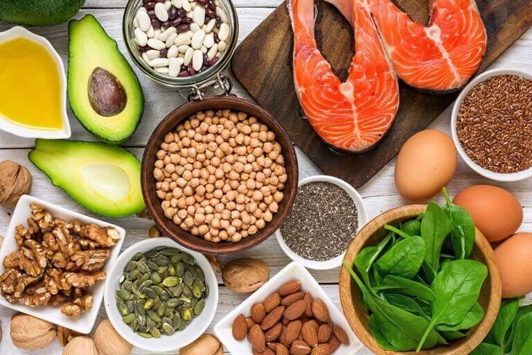 Bổ sung thêm những món ăn giàu collagen sẽ góp phần tăng hiệu quả điều trị trong quá trình thực hiện bấm huyệt