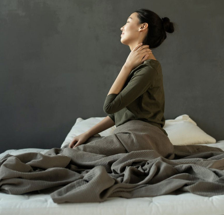 Thư giãn giúp ngăn cơn đau do thoát vị đĩa đệm cổ