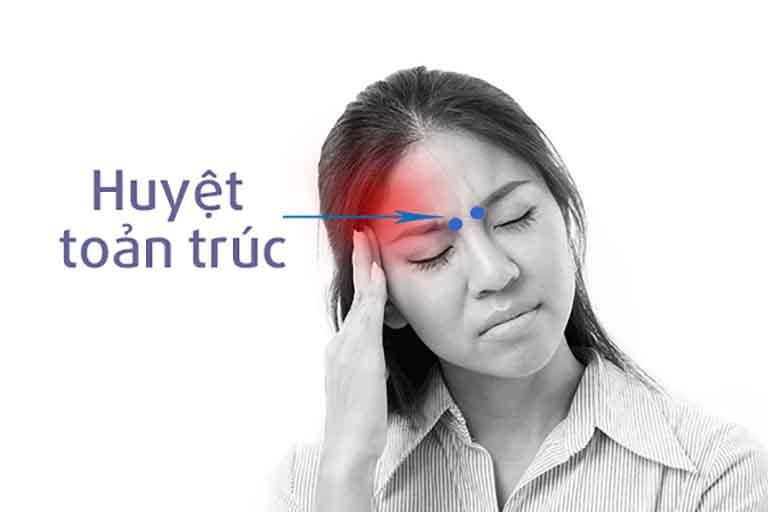 Day ấn huyệt Toản Trúc không chỉ cải thiện cơn đau nửa đầu mà còn giúp người bệnh ngủ ngon hơn