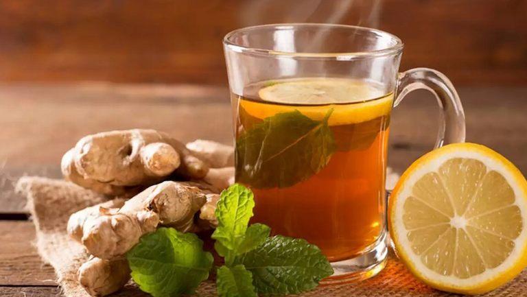 Uống trà gừng là cách chữa đau đầu bằng gừng rất hiệu quả