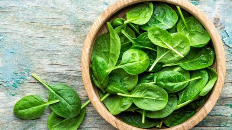 Các loại rau lá xanh đậm được khuyến khích trong chế độ ăn của bệnh nhân