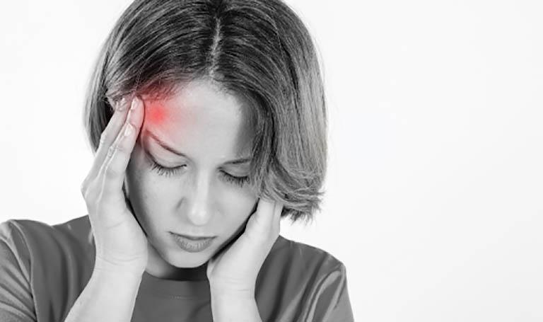 Bệnh đau đầu migraine khiến người bệnh luôn mệt mỏi, ủ rũ