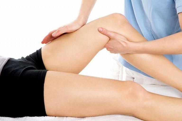 Xoa bóp, bấm huyệt là giải pháp giảm đau không dùng thuốc nên áp dụng