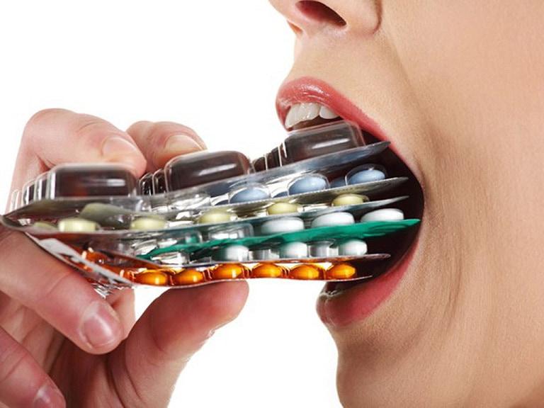 Không nên sử dụng thuốc bừa bãi, hãy thăm khám để được tư vấn thuốc điều trị hiệu quả
