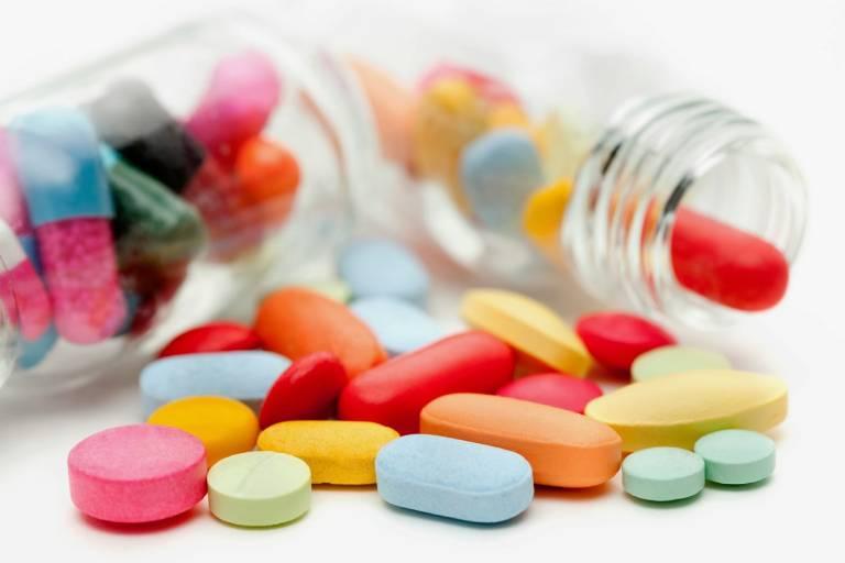 Dùng thuốc Tây y để điều trị bệnh mất ngủ khó thở