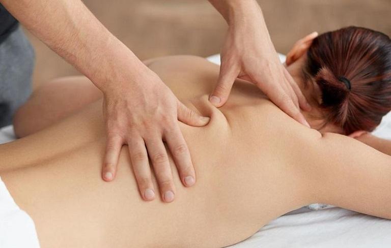 Tuân thủ đúng kỹ thuật massage để hỗ trợ điều trị thoát vị đĩa đệm hiệu quả