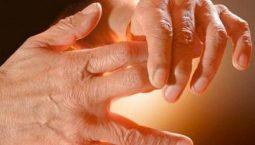 tê bì chân tay khi ngủ là bệnh gì
