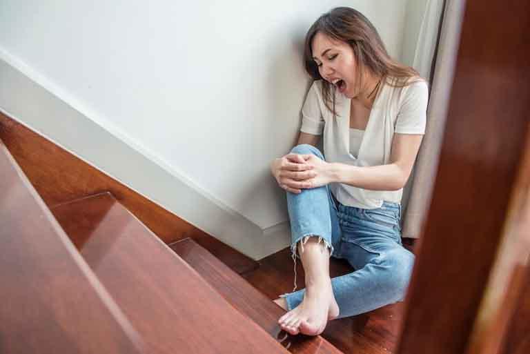 Tỷ lệ những người trẻ tuổi hiện nay mắc bệnh thoái hoá khớp gối ngày càng cao