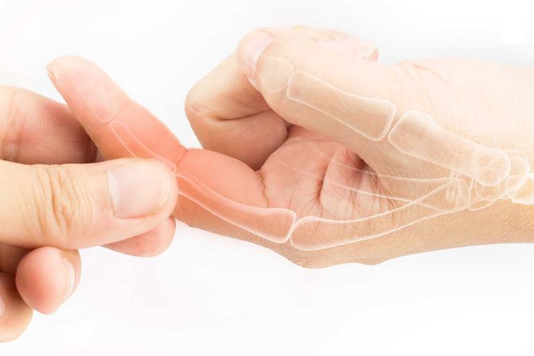 Bệnh thường gặp ở những trường hợp thường xuyên phải hoạt động bàn tay