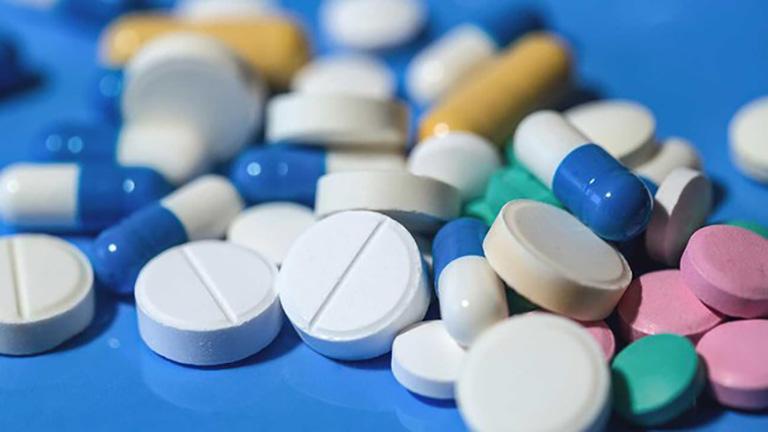 Điều trị thoái hóa khớp bằng thuốc Tây y có hiệu quả nhanh nhưng cần cẩn trọng