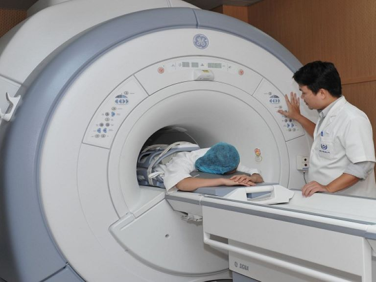 Chụp cộng hưởng từ MRI - phương pháp chẩn đoán hình ảnh giúp xác định chính xác vị trí và mức độ thoát vị