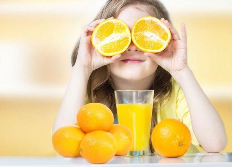 Tiêu thụ đa dạng các loại thực phẩm giàu vitamin C trong chế độ ăn hàng ngày là con đường an toàn và lành mạnh nhất để đáp ứng nhu cầu vitamin C cho cơ thể