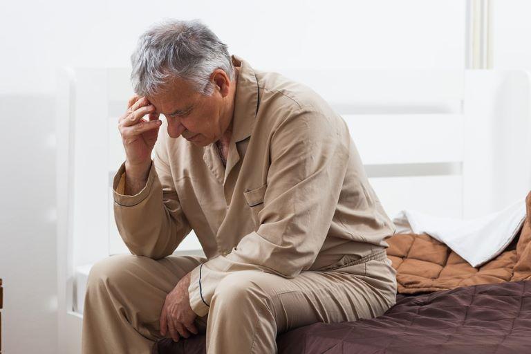 Kết hợp lạc tiên cùng hoa thiên lý và lá mướp đắng giúp khắc phục hiệu quả chứng mất ngủ và nhức mỏi ở người cao tuổi.