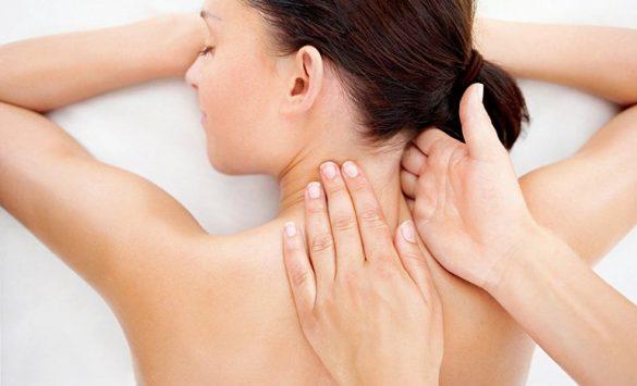 Xoa bóp giúp giảm nhanh triệu chứng thoái hóa đốt sống cổ