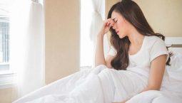 Đau đầu buồn nôn: Nguyên nhân, triệu chứng và cách điều trị