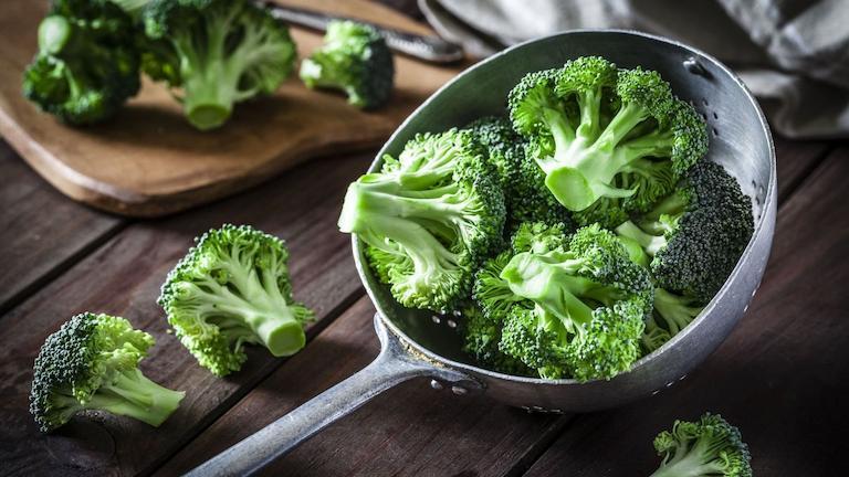 Bông cải xanh là thực phẩm người bị đau nhức đầu nên ăn
