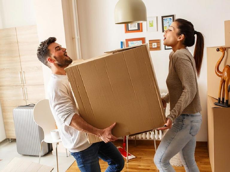Thường xuyên bê đồ nặng có nguy cơ mắc bệnh đau lưng cao