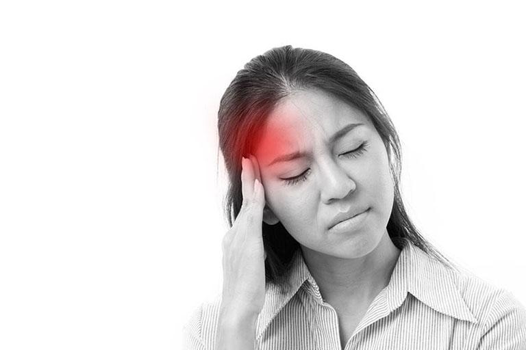 Căng thẳng. stress kéo dài có thể là nguyên nhân trực tiếp dẫn đến đau nửa đầu bên phải