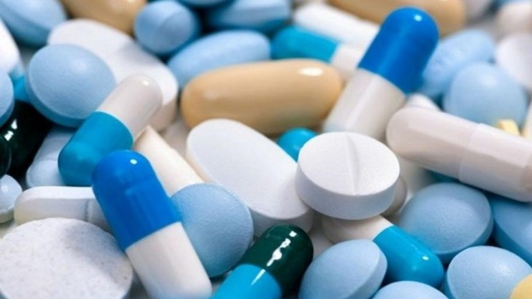 Phụ nữ sau sinh chỉ nên dùng thuốc chữa bệnh khi được sự cho phép của bác sĩ